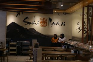 Foto 11 - Interior di Sushi Mentai oleh Tepok perut