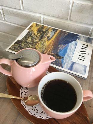 Foto review The Pink Door Tea Room oleh Prido ZH 1