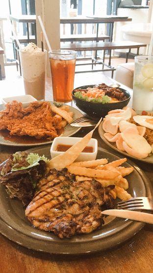 Foto - Makanan(grilled chicken) di Giggle Box oleh Silvia Dwiyanti