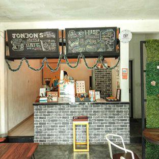 Foto 22 - Interior di Jonbon's Coffee & Eatery oleh duocicip