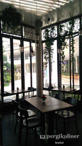 Foto 2 - Interior di Babochkaa Bistro & Coffee Bar oleh Winata Arafad