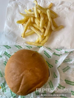 Foto 3 - Makanan di Burger Bangor oleh Francine Alexandra