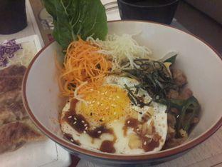 Foto 2 - Makanan(Gyu Don) di Gyoza Bar oleh @stelmaris