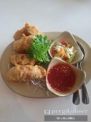 Foto 15 - Makanan(Tahu isi) di Tesate oleh UrsAndNic