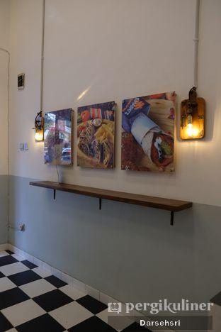 Foto 5 - Interior di Emado's Shawarma oleh Darsehsri Handayani
