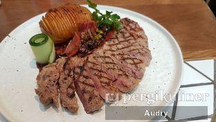 Foto 6 - Makanan(The middlewight) di Pish & Posh Cafe oleh Audry Arifin @makanbarengodri