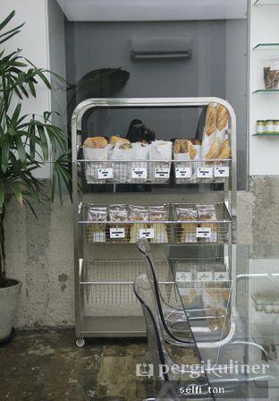 Foto 5 - Interior di Dej Cafe oleh Selfi Tan