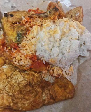 Foto - Makanan di Sego Sambel Mak Yeye oleh @qluvfood