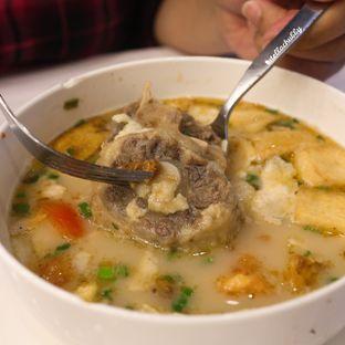 Foto 1 - Makanan(Sop buntut spesial (kuah cak yo)) di Chop Buntut Cak Yo oleh Stellachubby