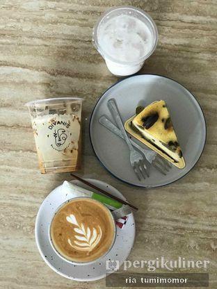 Foto 1 - Makanan di Divani's Boulangerie & Cafe oleh riamrt