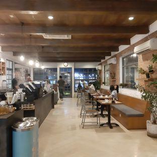 Foto 2 - Interior di Dua Coffee oleh Amanda Nurviyan