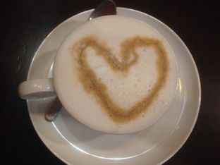 Foto 3 - Makanan(Coffee latte) di Eataly Resto Cafe & Bar oleh Komentator Isenk