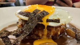 Foto 2 - Makanan(Loco Moco Curry) di Revel Cafe oleh Komentator Isenk