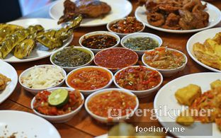 Foto 1 - Makanan di Sambal Khas Karmila oleh @foodiary.me | Khey & Farhan