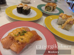 Foto 5 - Makanan(Aburi Salmon Spicy Mentai) di Sushi Go! oleh Nadiary