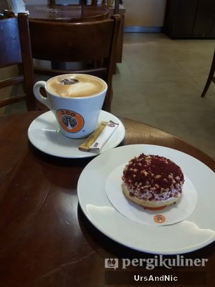 Foto 3 - Makanan di J.CO Donuts & Coffee oleh UrsAndNic