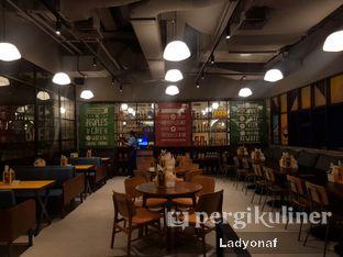 Foto 9 - Interior di The People's Cafe oleh Ladyonaf @placetogoandeat