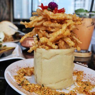 Foto 1 - Makanan(Jamur Goreng Telur Asin) di Kila Kila by Akasya oleh Stellachubby