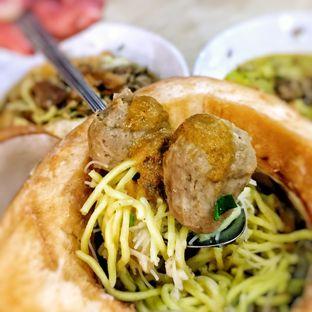 Foto 6 - Makanan di Soto Mie Sawah Lio oleh Astrid Huang | @biteandbrew