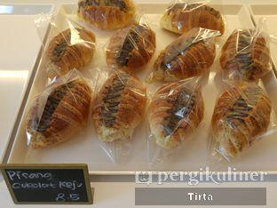 Foto 32 - Makanan di Rokue Snack oleh Tirta Lie