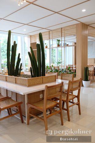 Foto 3 - Interior di Dailydose Coffee & Eatery oleh Darsehsri Handayani