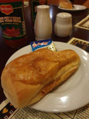 Foto 2 - Makanan di Gandy Steak House & Bakery oleh Ken @bigtummy_culinary