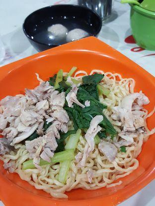Foto 3 - Makanan di Mie Ayam Uban oleh Stallone Tjia (@Stallonation)