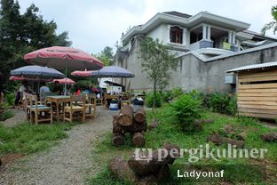 Foto 11 - Eksterior di Waroeng Kopi Modjok (Warkop Modjok) oleh Ladyonaf @placetogoandeat