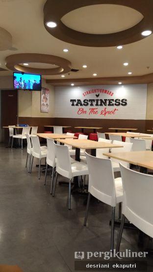 Foto review KFC oleh Desriani Ekaputri (@rian_ry) 3