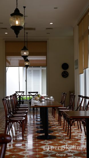 Foto 3 - Interior di Lake View Cafe oleh Deasy Lim