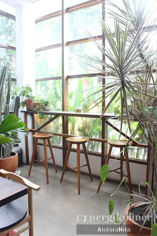 Foto 11 - Interior di 1/15 One Fifteenth Coffee oleh AndaraNila