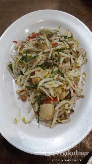 Foto 2 - Makanan(Toge Cah Ikan Asin) di Aroma Dermaga Seafood oleh Inge Inge