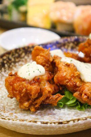Foto 3 - Makanan di Kappa Sushi oleh thehandsofcuisine