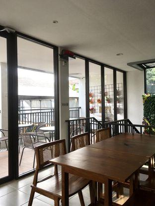 Foto 11 - Interior di Likely Cafe & Resto oleh Prido ZH
