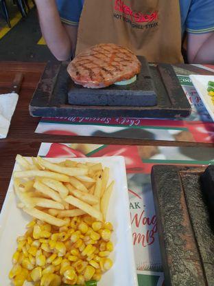 Foto 2 - Makanan di Street Steak oleh Nicole Rivkah