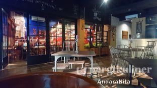 Foto 3 - Interior di AGBELIN Bistro & Cafe oleh AndaraNila