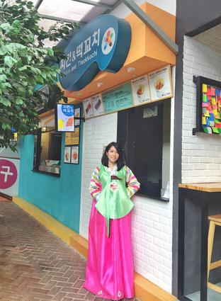 Foto review Chingu Korean Fan Cafe oleh Astrid Huang 18