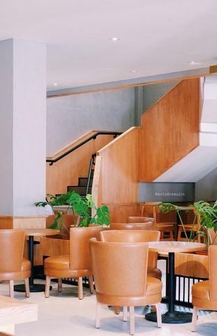 Foto 6 - Interior di Starbucks Reserve oleh Indra Mulia
