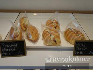 Foto 28 - Makanan di Rokue Snack oleh Tirta Lie
