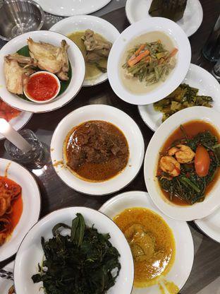 Foto 3 - Makanan di RM Pangeran Khas Minang oleh Olivia @foodsid