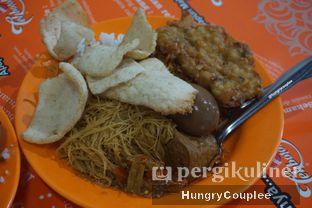 Foto 1 - Makanan di Nasi Uduk Bu Sum oleh Hungry Couplee