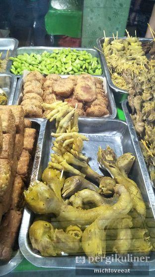 Foto 7 - Makanan di Nasi Uduk Kiko Sari oleh Mich Love Eat