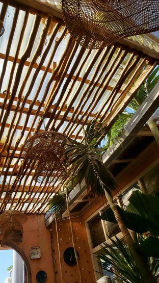 Foto 6 - Interior di Tropikal Coffee oleh Rhesaldy Kurniawan
