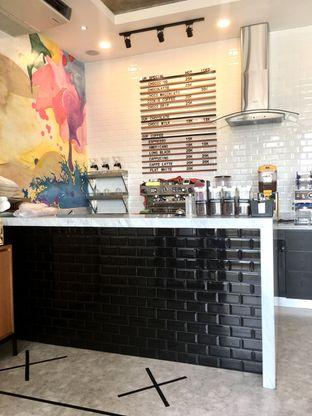 Foto 4 - Interior di Dapur Cokelat Coffee oleh Prido ZH