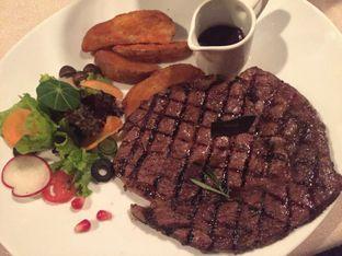 Foto 3 - Makanan di Platinum Grill oleh Foodie Says