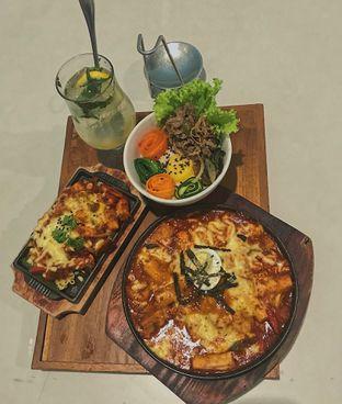 Foto 1 - Makanan di Donwoori Suki oleh @qluvfood