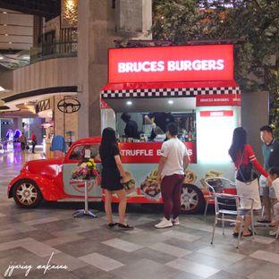Foto 5 - Eksterior di Bruces Burgers oleh Ika  Agustin