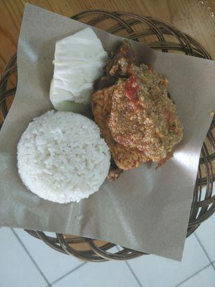 Foto 3 - Makanan di Ayam Gepuk Pak Gembus oleh D L
