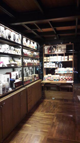 Foto 9 - Interior di Kopi Boutique oleh Yulia Amanda