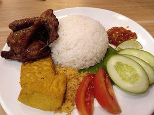 Foto 3 - Makanan di Adora Lezat oleh vio kal